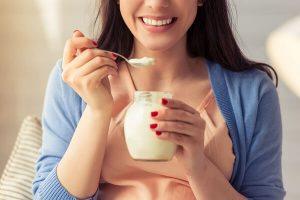 Bà Bầu Và Phụ Nữ Sau Sinh Có Nên Ăn Sữa Chua Không