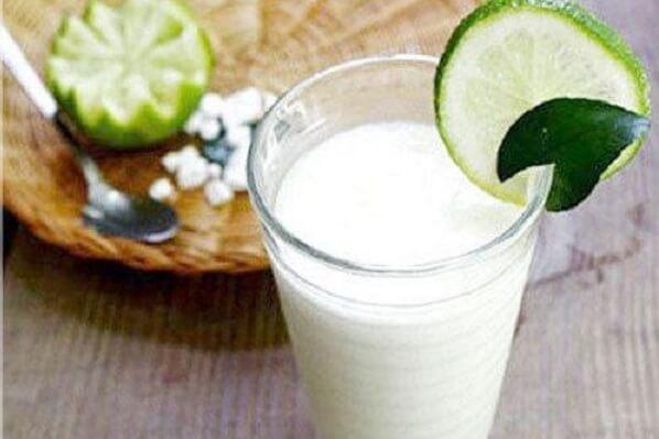 Nước sắn dây pha cùng chút đường uống giải khát và giải độc cho cơ thể