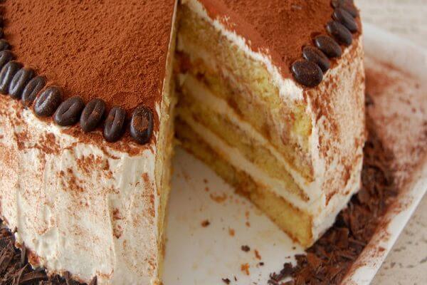 Tiramisu là sự hòa quyện giữa hương thơm của café espresso, rượu vang nhẹ