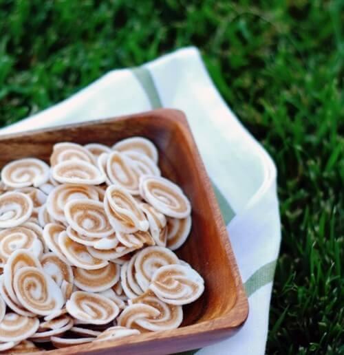 Bánh tai heo được làm từ bột mì rất đẹp mắt