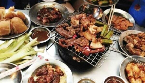 Lẫn quán - quán lẩu nướng sinh viên Hà Nội
