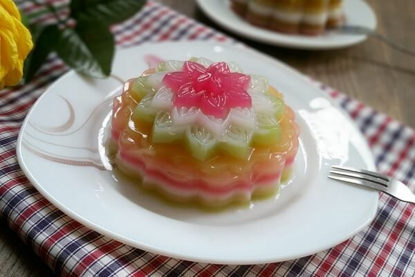 Cách làm bánh Trung thu rau câu ngũ sắc