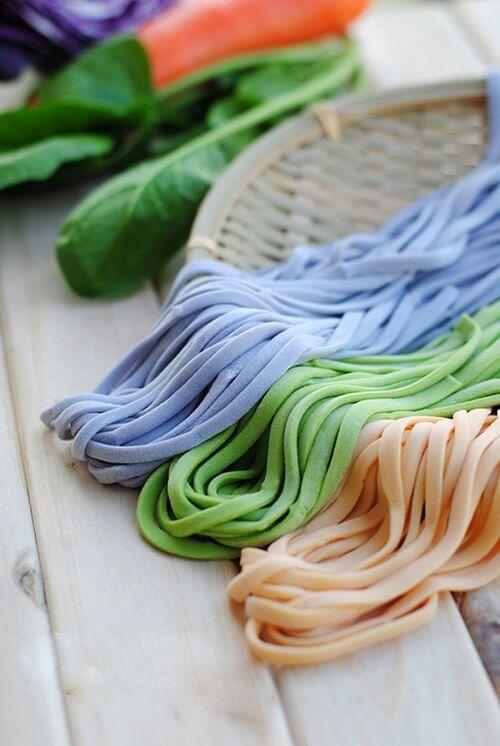 Bạn có thể phối màu cho mì sợi tươi