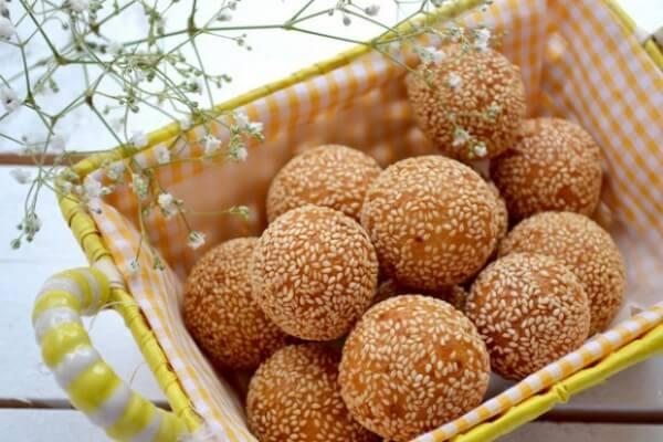 Bán đồ ăn vặt gì: Bán bánh rán