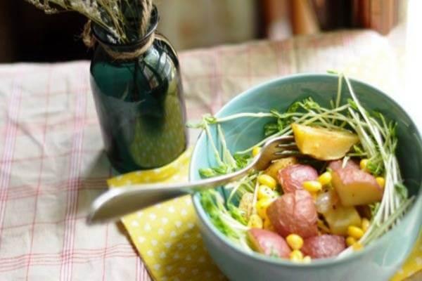 Salad khoai tây nướng