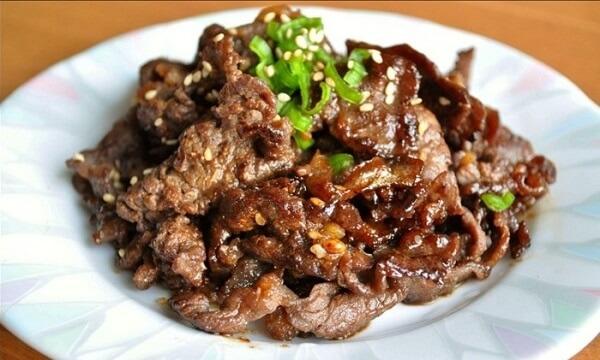Món thịt nướng kiểu Hàn thơm ngon.