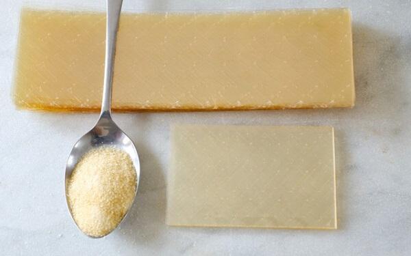 Có thể thay lá gelatin bằng bột hoặc nguyên liệu gì