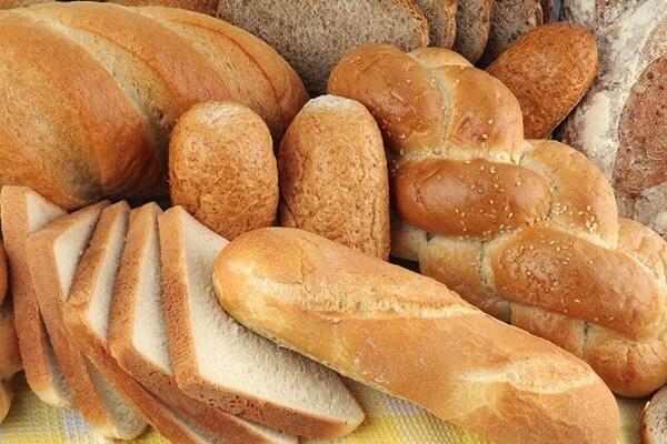 Bánh mì nguyên cám là thức ăn lý tưởng cho mẹ bầu đói đêm