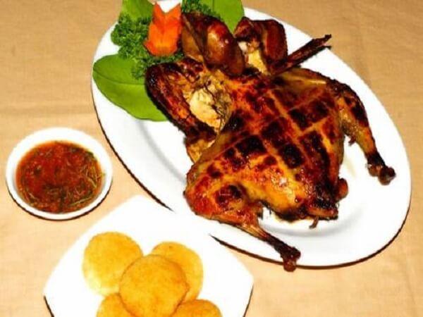 Quán gà nướng lu Việt Hương
