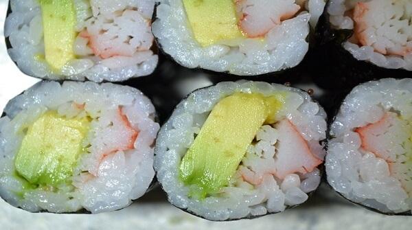 Cách làm sushi thanh cua phong cách Nhật Bản
