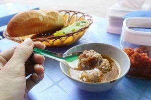 Cách làm bánh mì xíu mại Đà Lạt - Làm xíu mại ăn kèm bánh mì