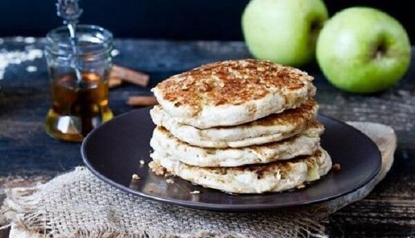 Pancake táo