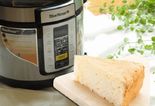 Cách làm bánh bông lan truyền thống bằng nồi cơm điện
