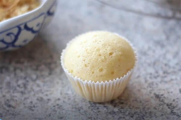 Thành phẩm chiếc bánh Cupcake chanh thơm ngon