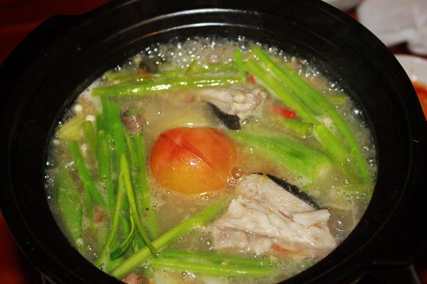 Cách làm lẩu cá đuối nấu mẻ