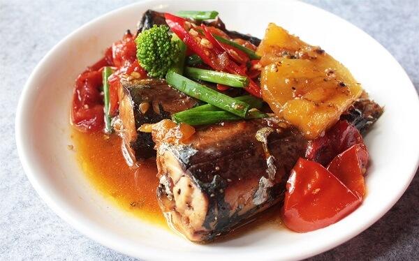Cá kho là món ăn quen thuộc trong bữa cơm gia đình Việt