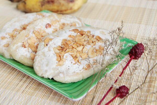 Món kem chuối với lạc và dừa nạo được nhiều người yêu thích - Kem chuối tự làm để được bao lâu
