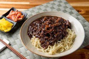 Cách làm mì đen Hàn Quốc đơn giản - Quán mỳ tương đen TPHCM