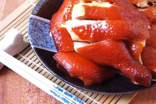 Cách làm gà muối xông khói cả con - Chế biến thịt gà hun khói