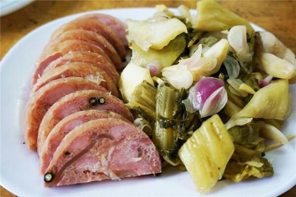 Thịt nguội, jabbon da heo có thể ăn kèm với bánh mì hoặc xôi