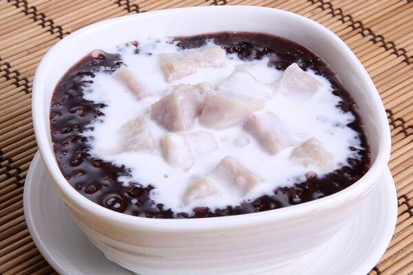 Cách nấu chè đậu đen bằng nồi cơm điện nhanh mềm nhừ