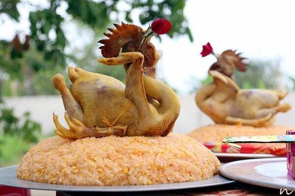 Mâm cơm cúng truyền thống gồm 6 bát và 8 đĩa