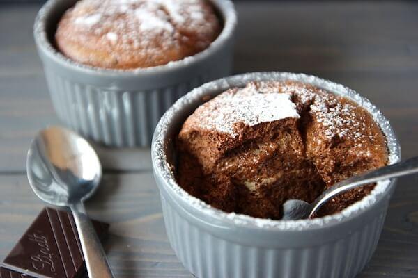 Mỗi chiếc bánh soufflé được làm từ hai thành phần