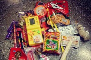 Những món ăn tuổi thơ 8x - Bánh kẹo quà vặt, mì trẻ em hồi xưa