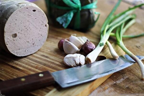 Giò lụa - Cách làm 10 món ngon chế biến từ giò lụa ăn cơm gia đình