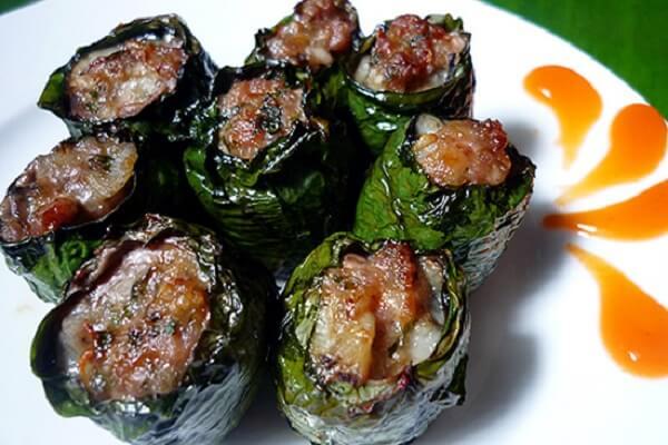 Thịt đà điểu cuộn lá lốt