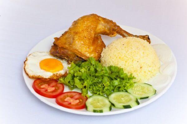 Cơm chiên gà xối mỡ Minh Thư - Số 370 Tô Ngọc Vân, phường Tam Phú
