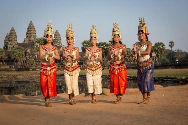 Tết Lào được tổ chức vào ngày đầu tiên của tháng Giêng