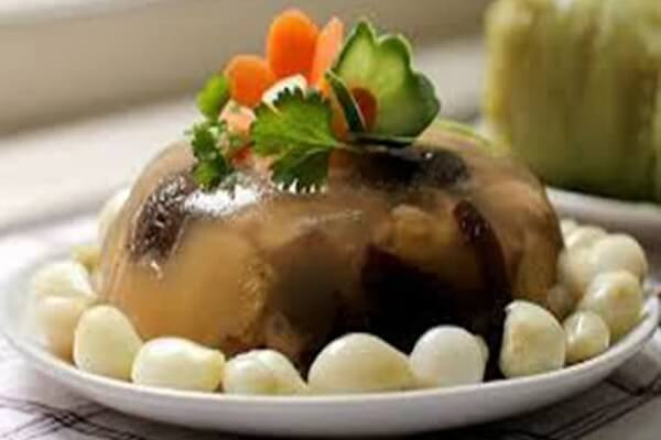 Thịt đông là món ăn dễ ăn nhất vào những ngày Tết.