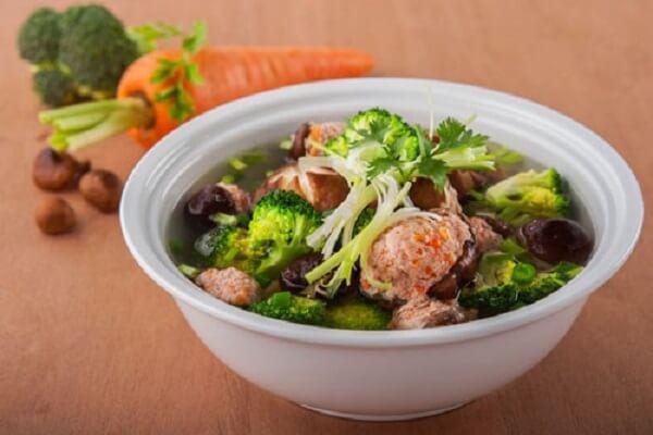 Món canh sườn mọc rau củ (40k)