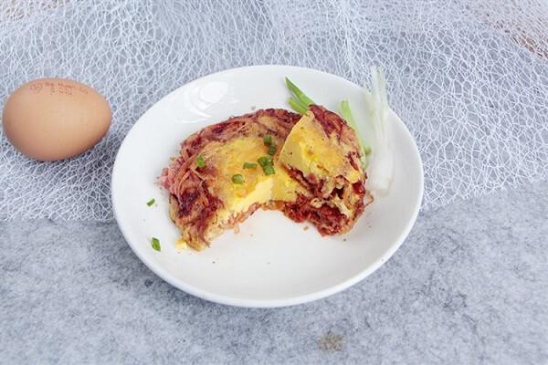 Cách làm bánh trứng chiên rau củ bổ dưỡng