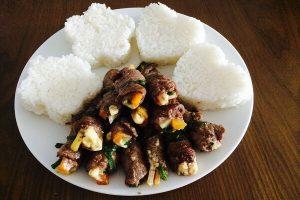 Cách làm bò cuộn rau củ nướng và món thịt bò cuộn phô mai ngon