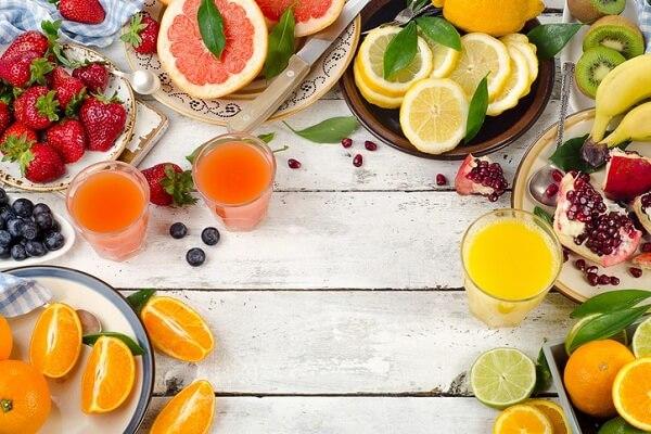 Đối với người bệnh gút, vitamin C lại có thể gây kết tủa urat tại ống thận, làm tăng nguy cơ bị sỏi thận.
