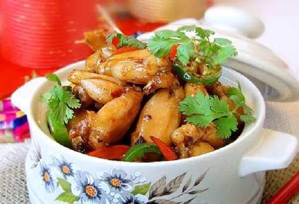 Cách nấu ếch xào xả ớt ngũ vị hương