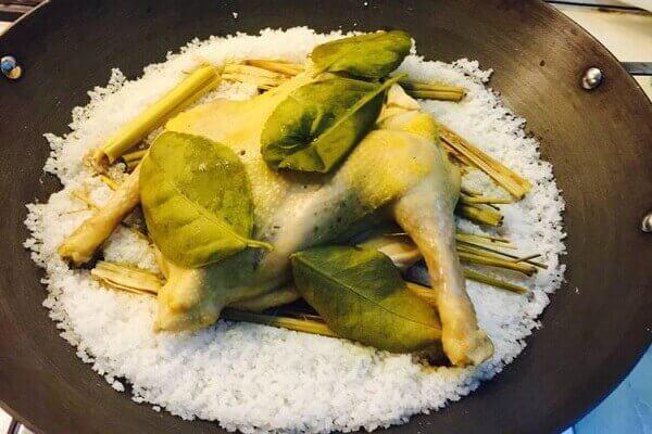Cách làm món gà hấp muối thơm ngon
