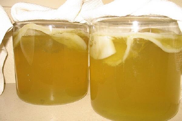 Cách làm giấm bằng chuối và nước dừa