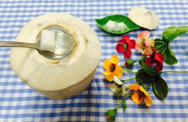 Cách làm thạch trái dừa nguyên trái