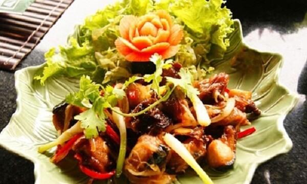 Cách nấu thịt thỏ xào dừa đơn giản