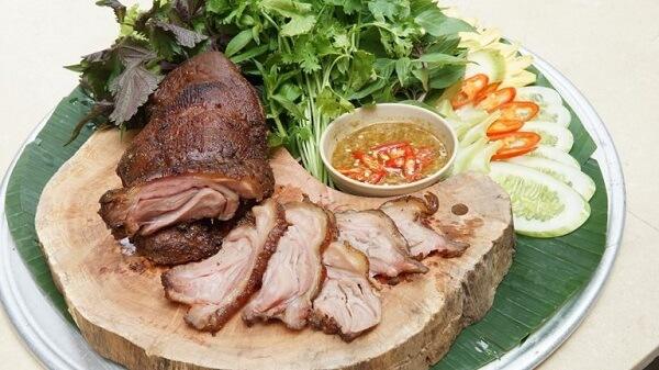 Cách ướp món thịt dê nướng tảng làm món nhậu cực bén