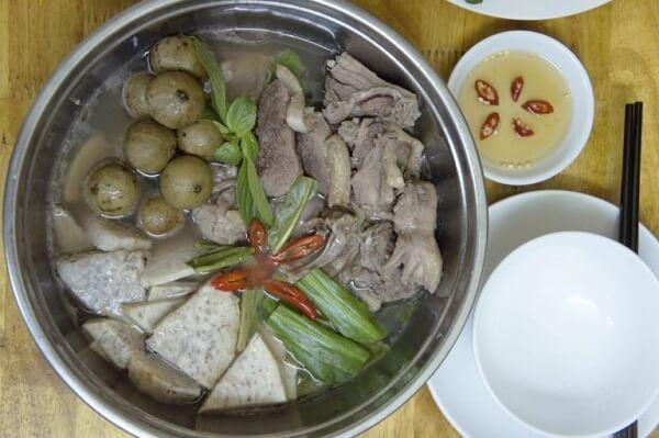 Cách nấu món thịt ngan om sấu