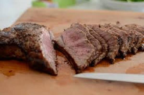 Thịt bò ở đây mềm ướp rất ngon