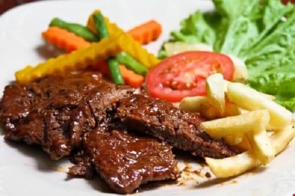 Rico's Steak House là nhà hàng beefsteak tuyệt ngon