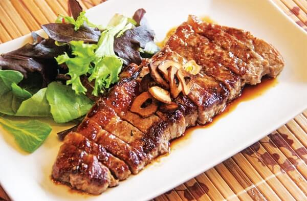 Cách làm món thịt bò bít tết kiểu Mỹ ngay tại nhà