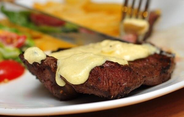 Sốt Blue cheese sauce bò bít tết béo ngậy