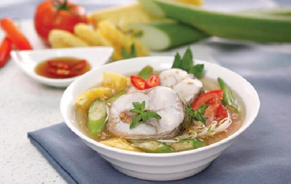 Canh chua cá lăng hấp dẫn người ăn