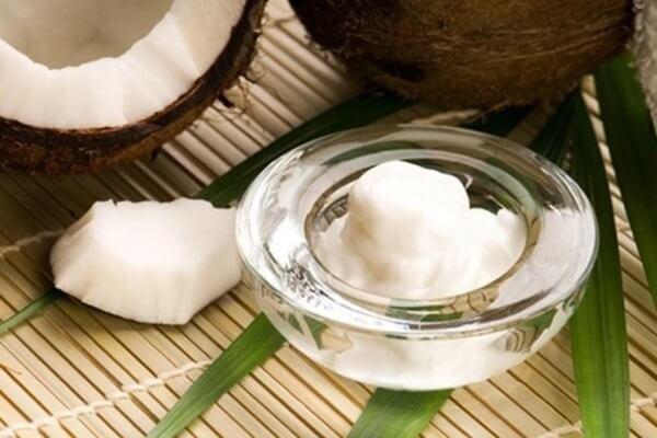 Cách dưỡng da mặt kết hợp dầu dừa và sữa chua